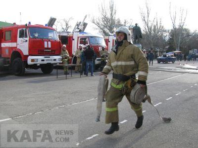 Феодосийские спасатели провели показательные выступления (видео)