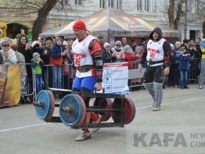 В Феодосии соревновались богатыри (видео)