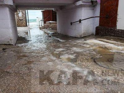 Потепление в Феодосии: как каток превратился в реки