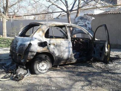 В Феодосии на улице Пономаревой сгорел автомобиль