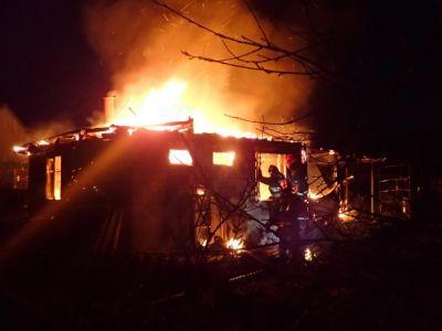 В Крыму сегодня сгорел дом, на пожарище найден труп