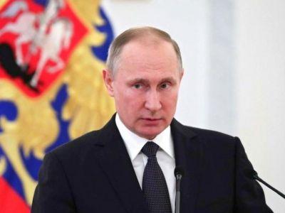 Путин в Севастополе вручил награды строителям Крымского моста