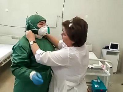 Медики показали единственный в Крыму бокс для перевозки инфекционных больных