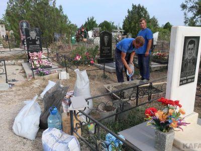 Смиренное кладбище Феодосии: до и после